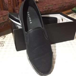 Slip On Shoes - Black / Hitam