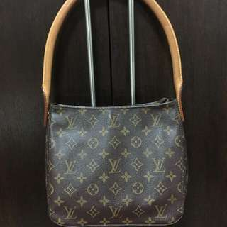 Louis Vuitton Loop Bag in MM