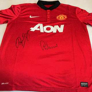 Manchester United Jersey Signed by RYAN GIGGS & GARY NEVILLE