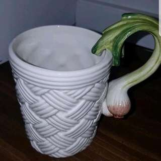 1995 Fitz and Floyd Green Onion Handle basket Weave MUG