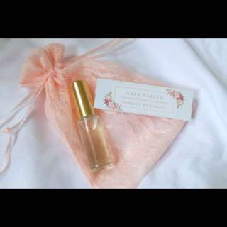 Aara Nº 8 - Fresh Rose & a hint of Citrus | Natural Perfume Oil | Pink Pouch