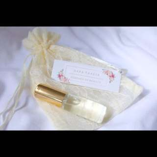 Aara Nº 8 - Fresh Rose & a hint of Citrus | Natural Perfume Oil | Yellow Pouch