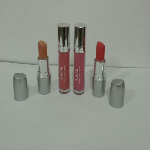 4 Buah Lipstick Wardah (Wardah Exclusive Matte Lip Cream Kondisi 98 %  No.  04 dan No. 05 + Wardah Matte Lipstick No.  17 Dan No. 20)