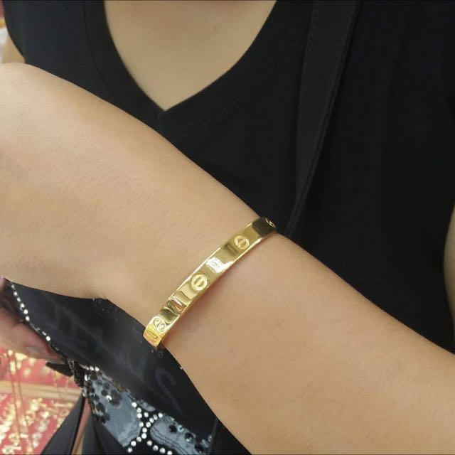 Authentic 18K Gold Cartier Bangle