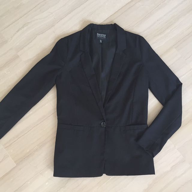 ed6d2570ba187 Bershka Women's Blazer, Women's Fashion, Clothes, Outerwear on Carousell