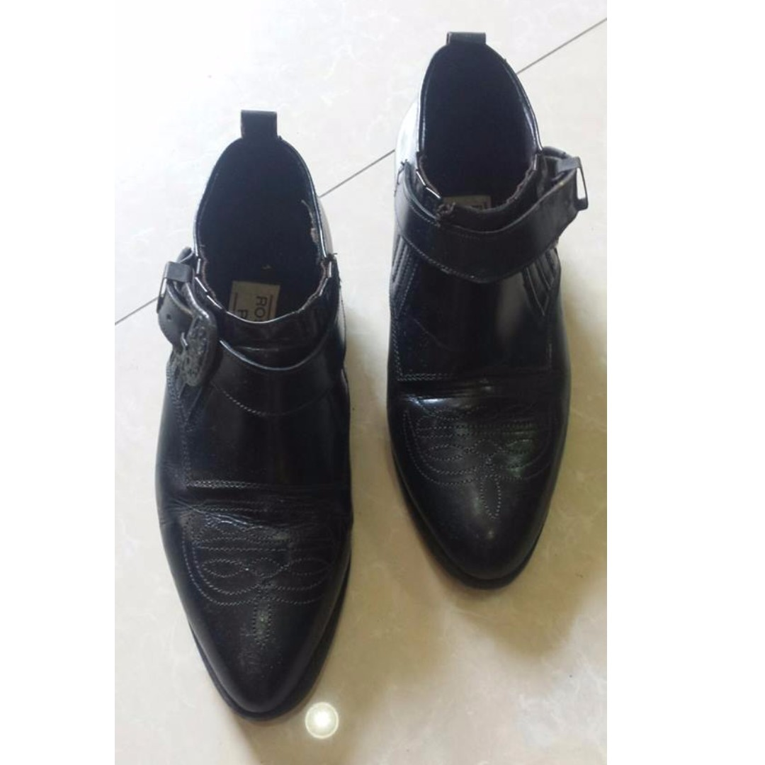 Black Leather Shoes, size 7
