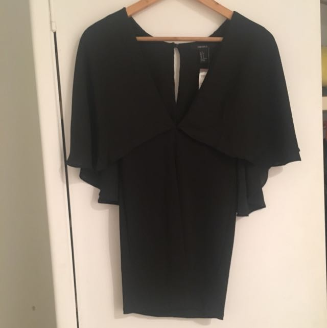 BNWT Cape Style Cocktail Dress