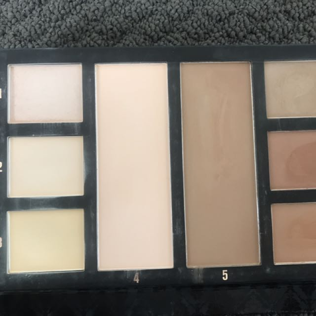 Chi Chi Highlighting And Contouring Palette