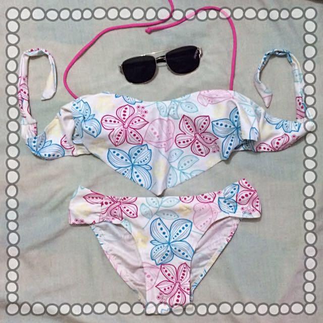 Cute White Floral Swimwear