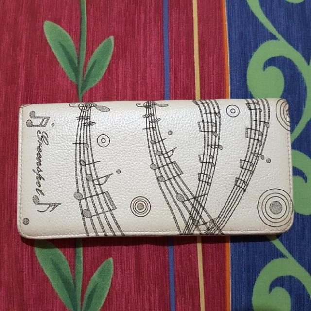 dompet wanita kulit motif not balok musik
