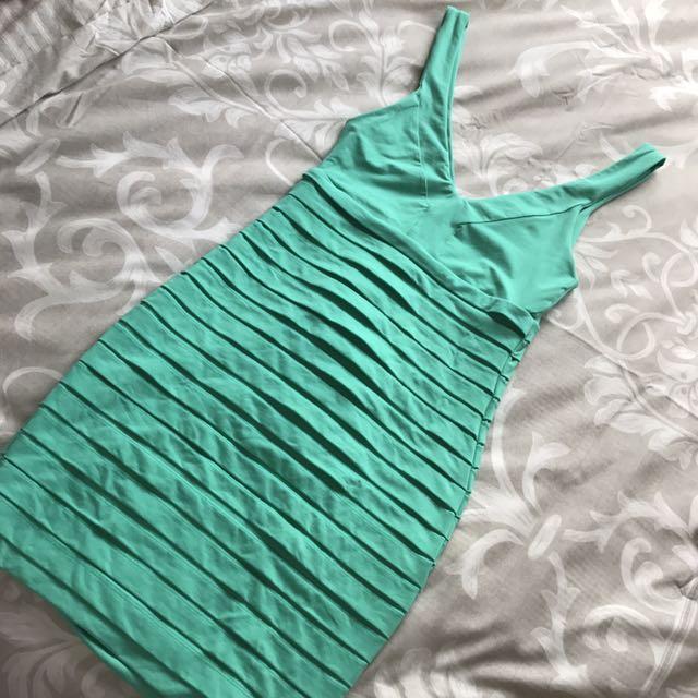 """KOOKAI """"Jiving dress"""" in Green (size 1)"""