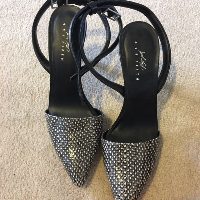 Lord And Taylor's Pointed Close Heel