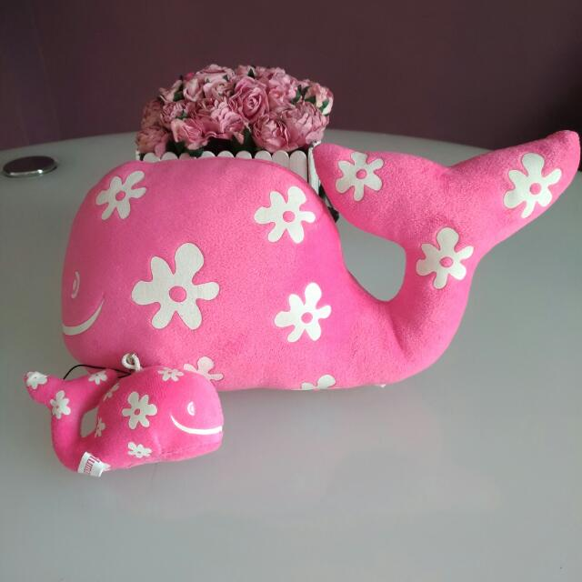 Stuff Toy: Mother And Child Whale Plushie