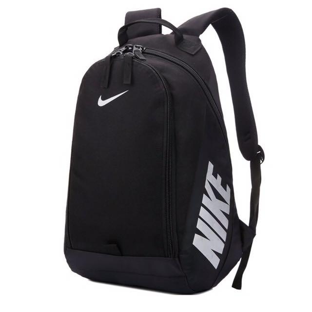 Nike運動背包