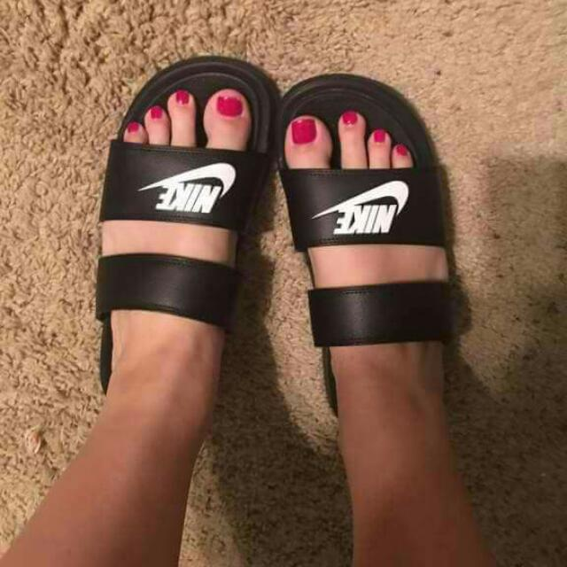 8a3c6f755b77 Nike Double Strap Slippers