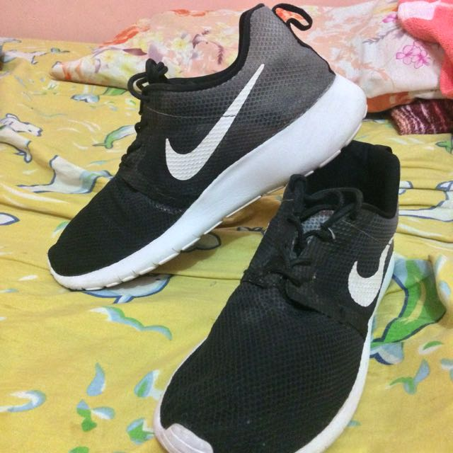 a87ce191033 Nike roshe run Authentic