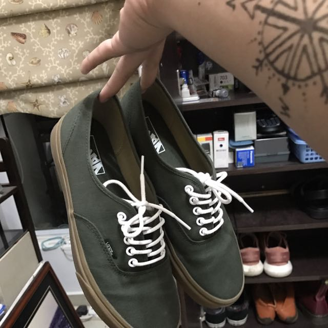 olive green vans with gum sole