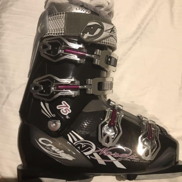 Ski Boots Women Size 23.5