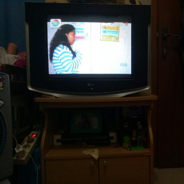Tv LG 21inc + meja Tv