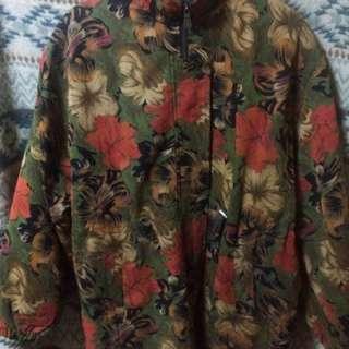 扶桑花鋪滿大衣
