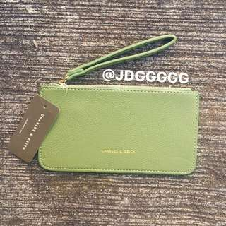 Charles & Keith Wristlet (OLIVE GREEN)