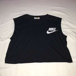 Nike Crop Size 6-8