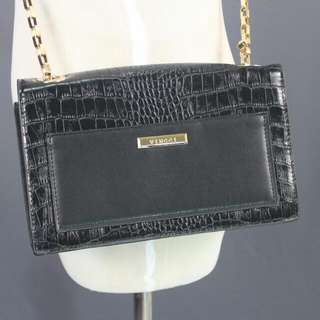 *Postage Included* Vincci Black Clutch