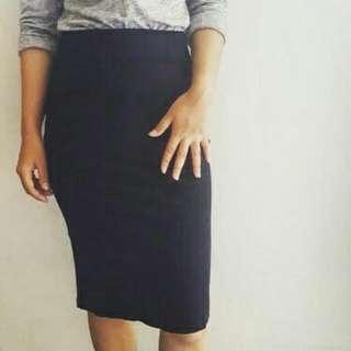 Preloved Black Span Skirt