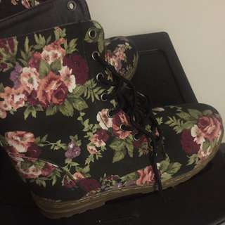 Flower Pattern Boot
