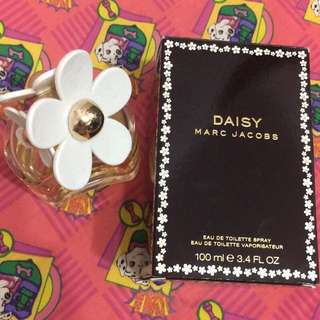 Marc Jacobs Daisy 香水 100ml (剩60-70ml)