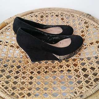 C&K Black Wedges No.35