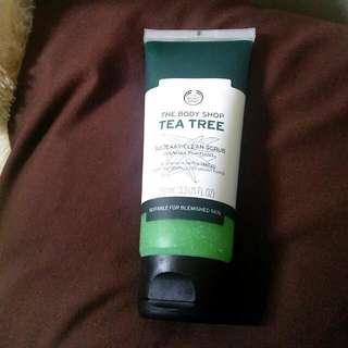 FREE ONGKIR!! The Body Shop Tea Tree (Clean Scrub)