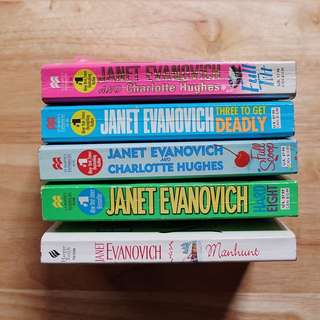 5 Janet Evanovich Books For Only Php 100.00