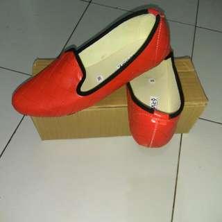 New Sepatu Bantal