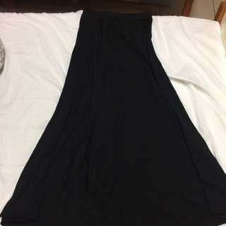 GU黑色長裙