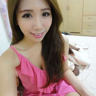 桃紅亮眼洋裝