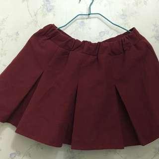 95%new酒紅色小短裙有內襯