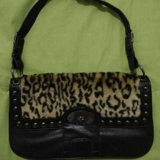 Tas Leopard Leather Mark N Mag
