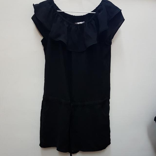黑色連身套裝