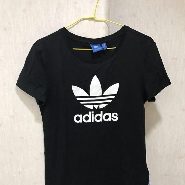 愛迪達adidas黑色T短袖上衣