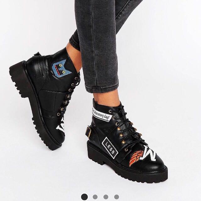ASOS個性縫章靴