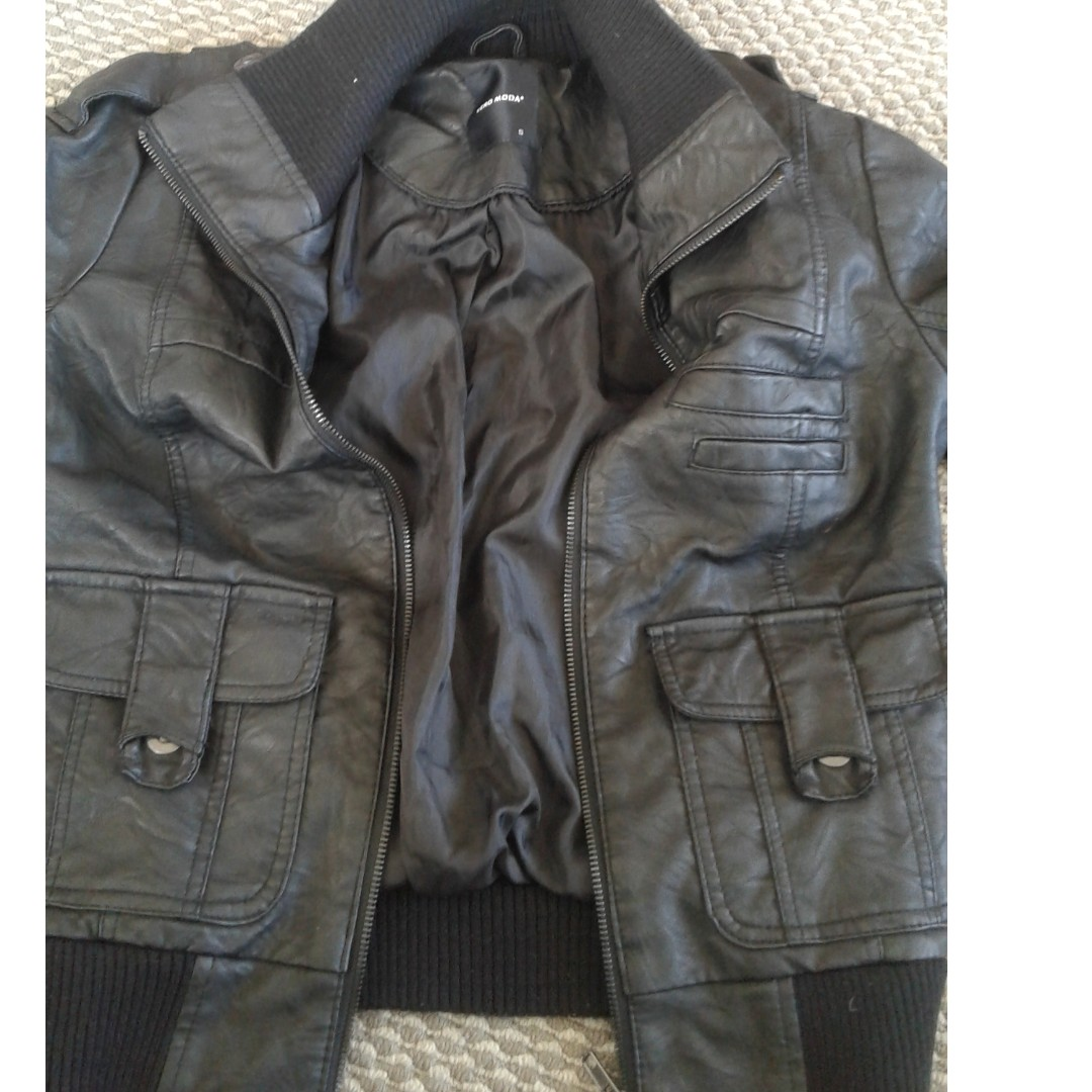 Black leather jacket, small