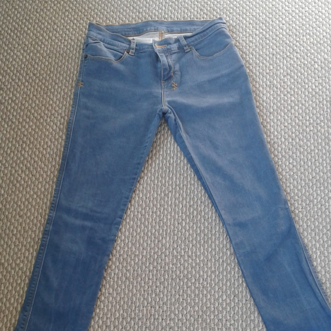 Blue skinny jeans - no stains