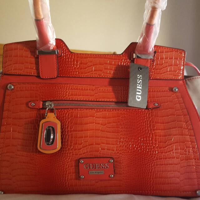 BNWT GUESS bag