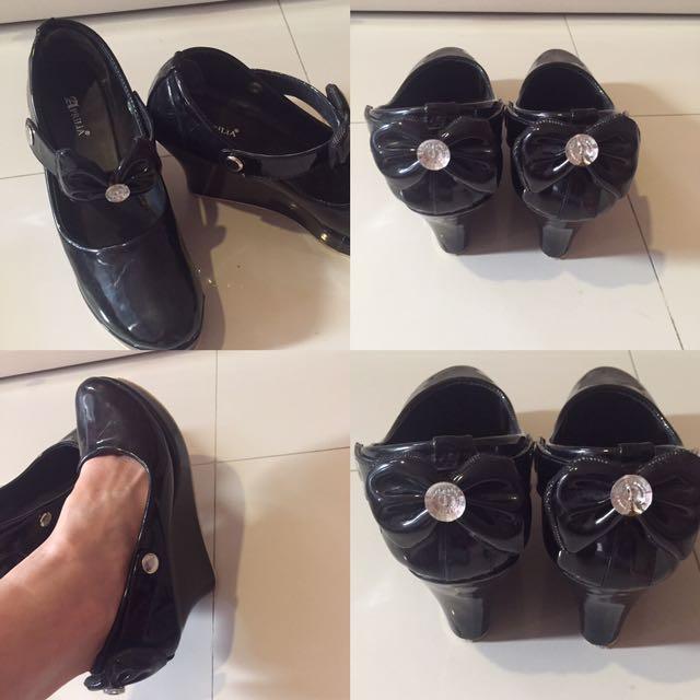 Bow Black Shoes