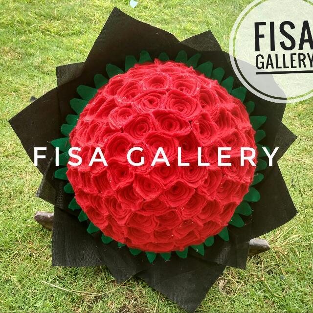 Bunga Bucket Flanel Merah