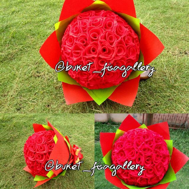 Bunga Flanel. Mawar Merah