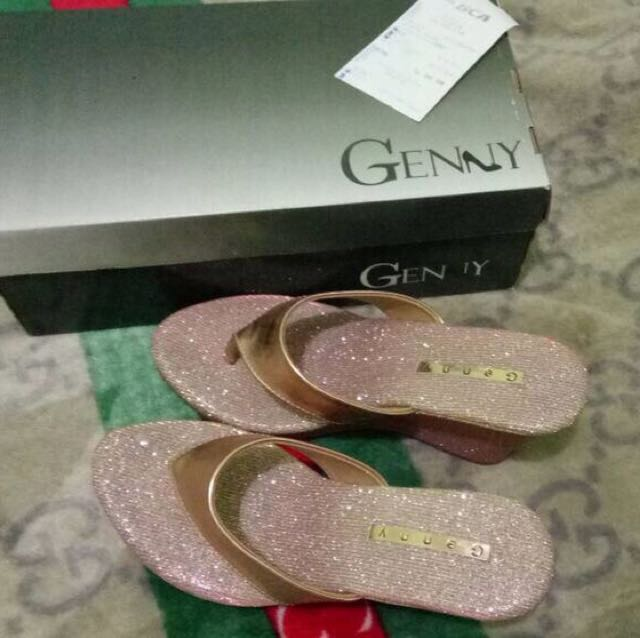 Genny Wedges Sandal