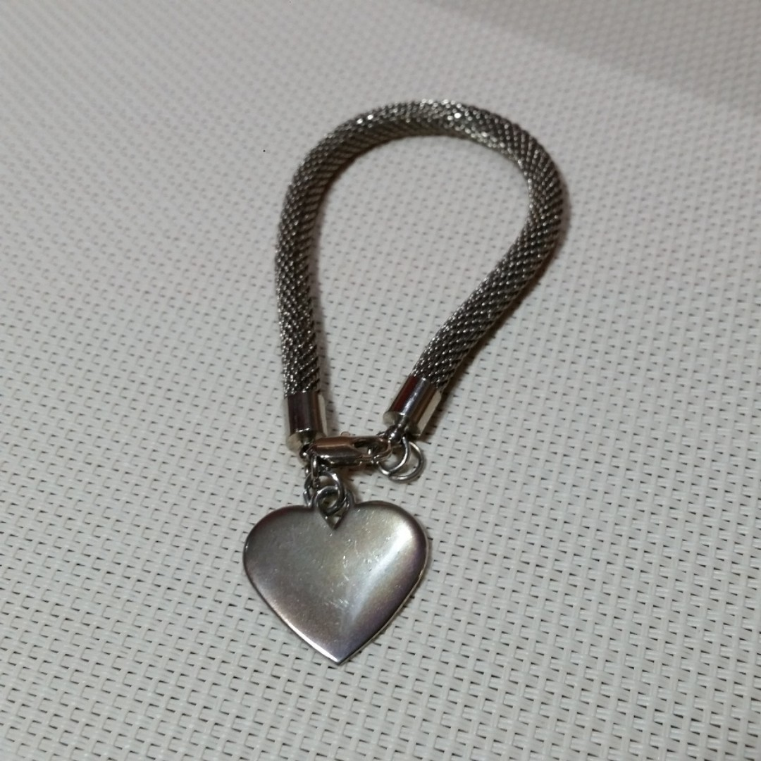 High Quality Mesh Bracelet with Heart charm