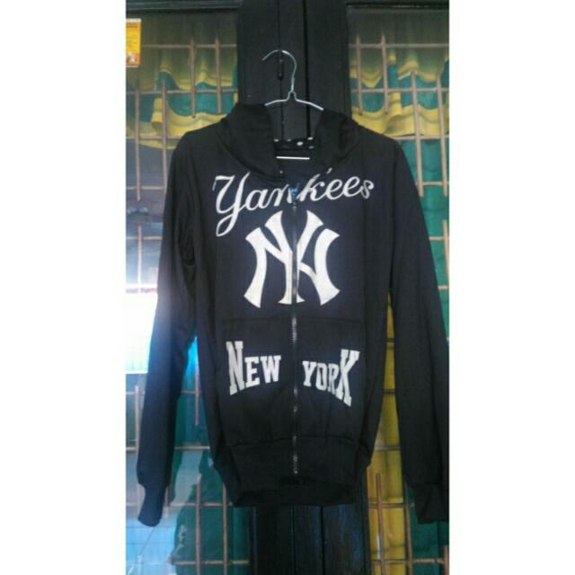 Jaket Kupluk New York Hitam